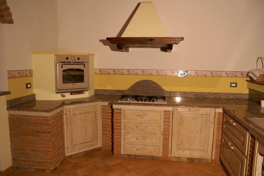 Cucina in vera muratura pp cm003 mobili su misura a firenze lapi arredamenti - Piano cucina in muratura ...