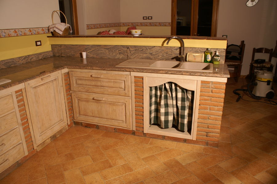 Cucina in vera muratura (PP-CM003) - Mobili su misura a Firenze ...