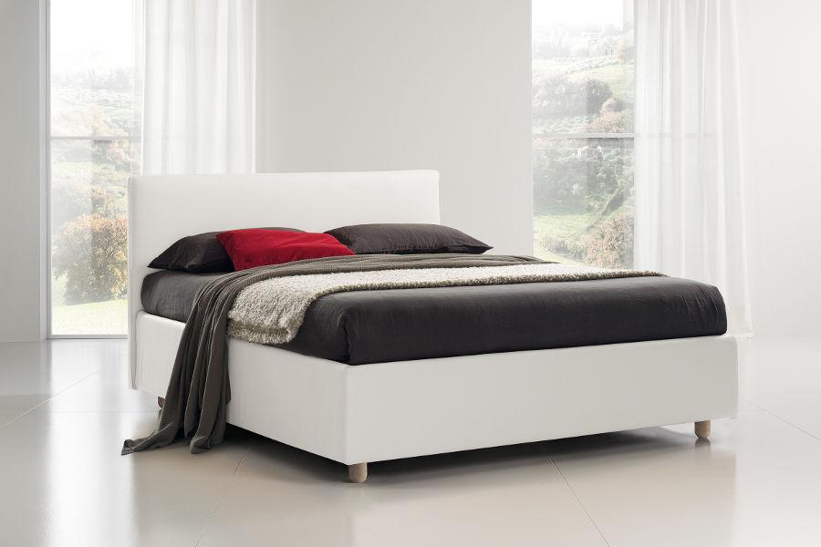 Letti firenze perfect letto imbottito una piazza e mezzo firenze trapuntato fatto interamente a - Posto letto a firenze ...