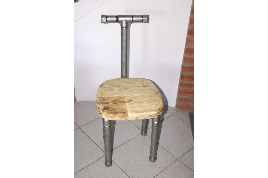 Sedia in legno di recupero e tubi in acciaio xt sed002 for Sedie acciaio e legno