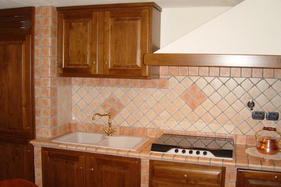 Cucina in vera muratura (PP-CM004) - Mobili su misura a Firenze ...