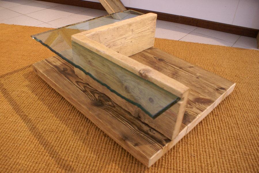 Tavolino in legno di recupero e vetro xn tav005 mobili for Tavoli in vetro e legno
