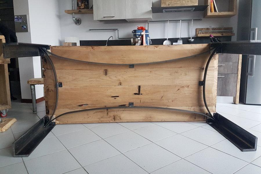 Tavolo in legno di recupero con piano rovere xt tav005 - Mobili con legno di recupero ...