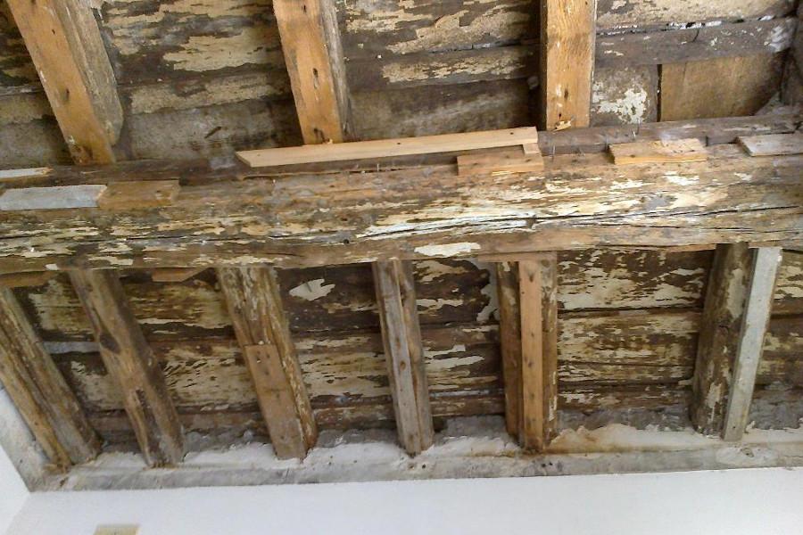 http://www.lapiarredamenti.it/wp-content/uploads/2017/01/tetto-vecchio-legno-di-recupero.jpg