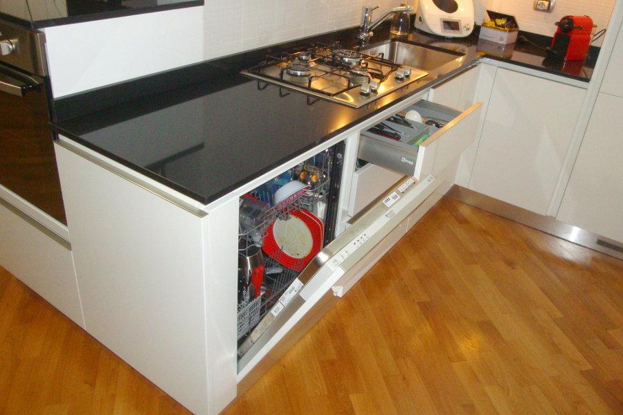 Cucina moderna con doppio angolo (GC-CUC010) - Mobili su misura a Firenze - Lapi Arredamenti