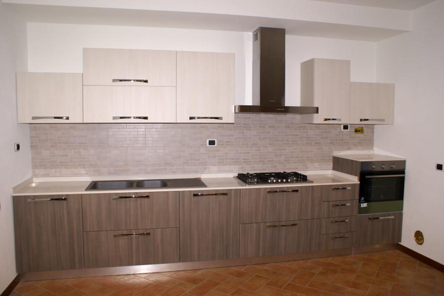 Cucina moderna in laminato alt cuc006 mobili su misura - Laminato in cucina ...