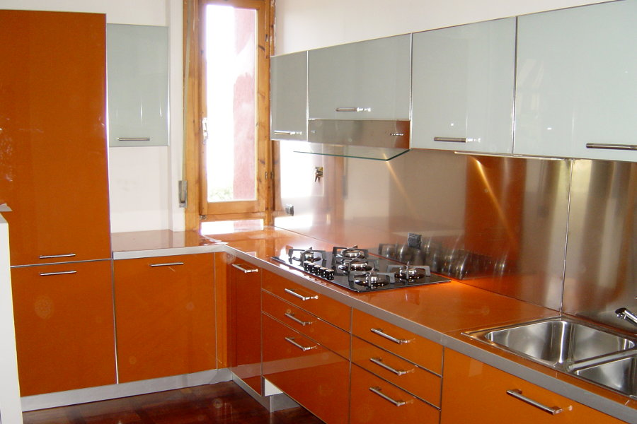 Cucina moderna in vetro (AL-CUC004)
