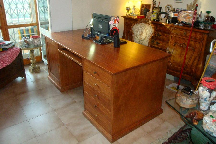 scrivania legno massello - Mobili su misura a Firenze - Lapi Arredamenti