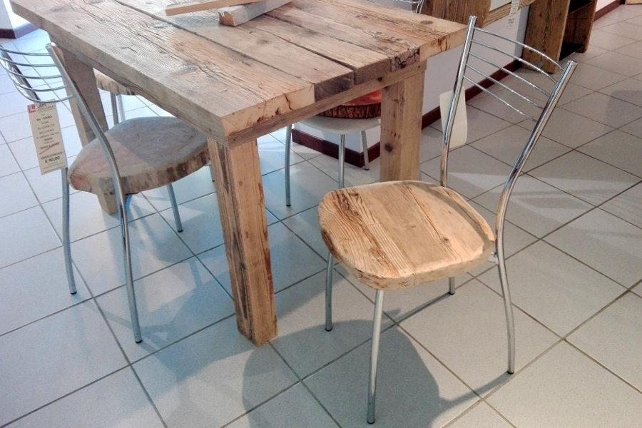 Sedia in legno di recupero (XN-SED610)