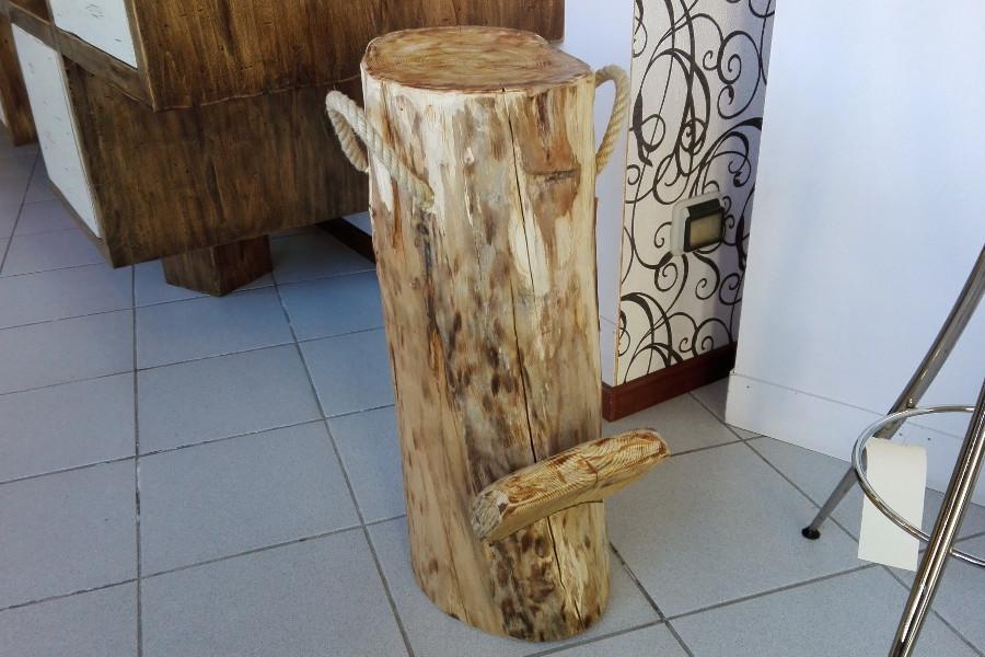 Sgabello in legno di recupero (XN-SED007)