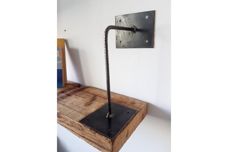 Mensola in legno di recupero e ferro xt men002 mobili for Mensole in ferro