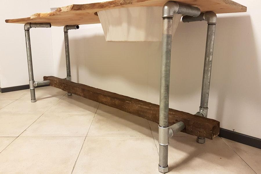 Mobile bagno in legno di recupero e tubi in acciaio xt - Mobili legno recupero ...