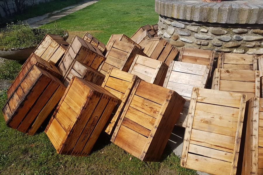 Mobili realizzati con casse da frutta lavori in corso - Mobili con legno di recupero ...