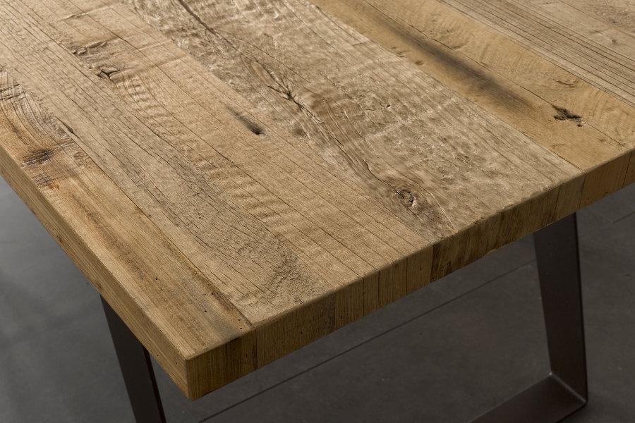 Tavolo moderno con piano in ontano zv tav001 mobili su misura a firenze lapi arredamenti - Piano tavolo su misura ...