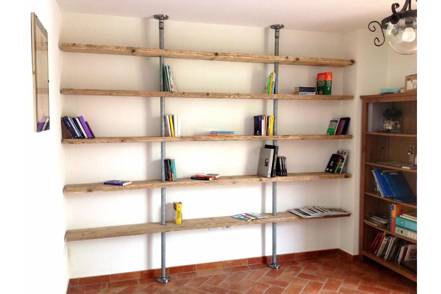 Libreria in legno di recupero e tubi in acciaio xt lib008 for Scaffali libreria in legno