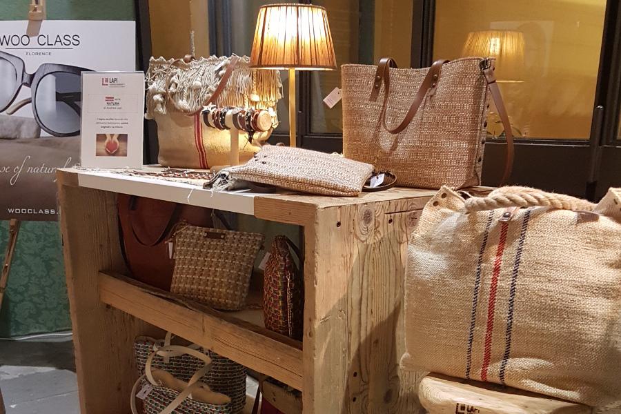 Artigiani In Villa: Dal 23 Al 25 Giugno 2017 Lapi Arredamenti Partecipa All'evento Con Le Sue Creazioni In Legno Di Recupero