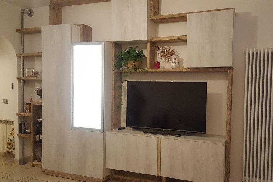 Composizione in legno di recupero ed elementi moderni (XT-COM008)