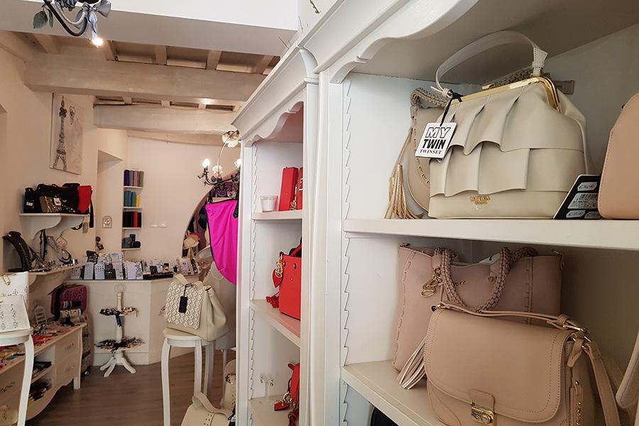 Arredamento per negozi i consigli di lapi arredamenti mobili su misura a firenze lapi - Mobili laccati bianchi ...