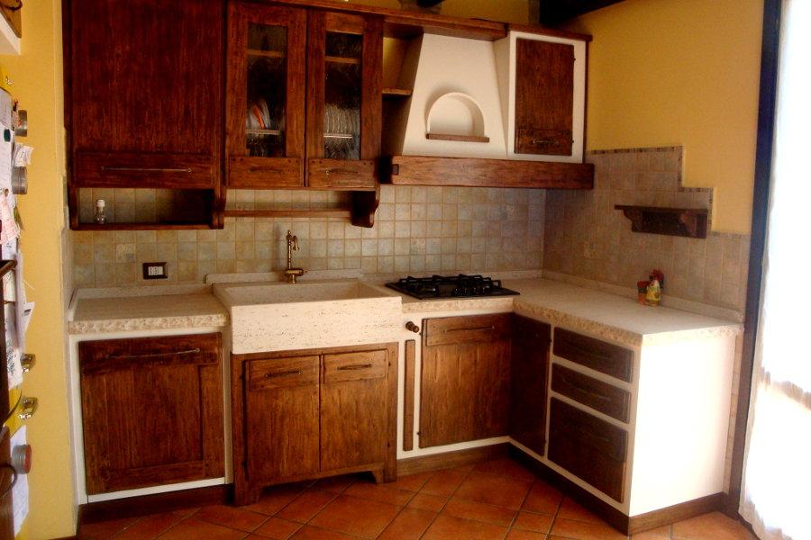 Cucina in finta muratura in pioppo (PP-CFM022)Cucina in finta muratura in pioppo (PP-CFM022)