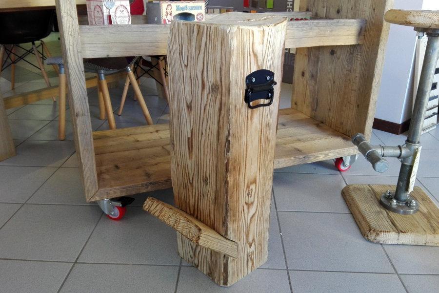 Sgabello in legno di recupero (XN-SED001)