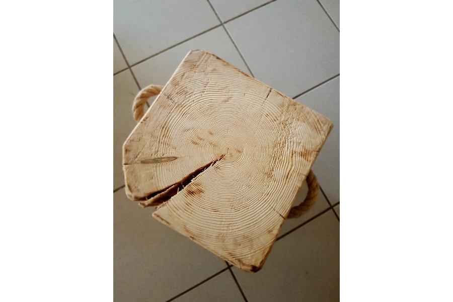 Sgabello In Legno Di Recupero (XN-SED008)