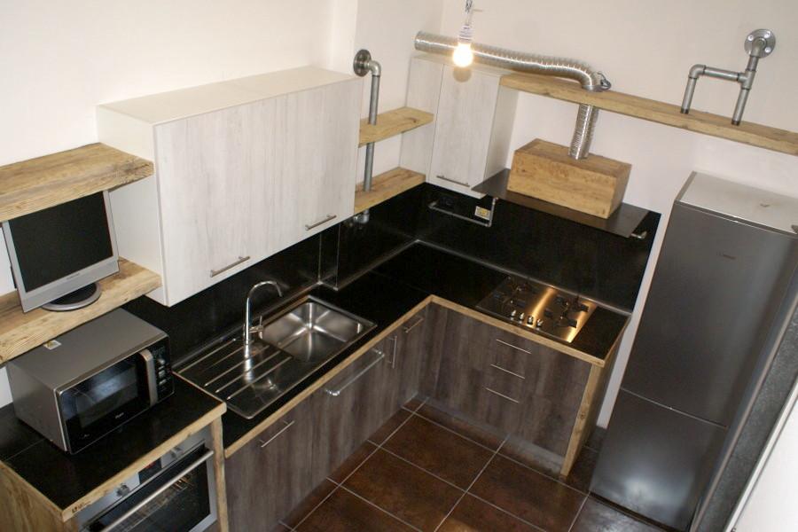 Cucina in legno di recupero e tubi in acciaio, della nostra Serie X ...