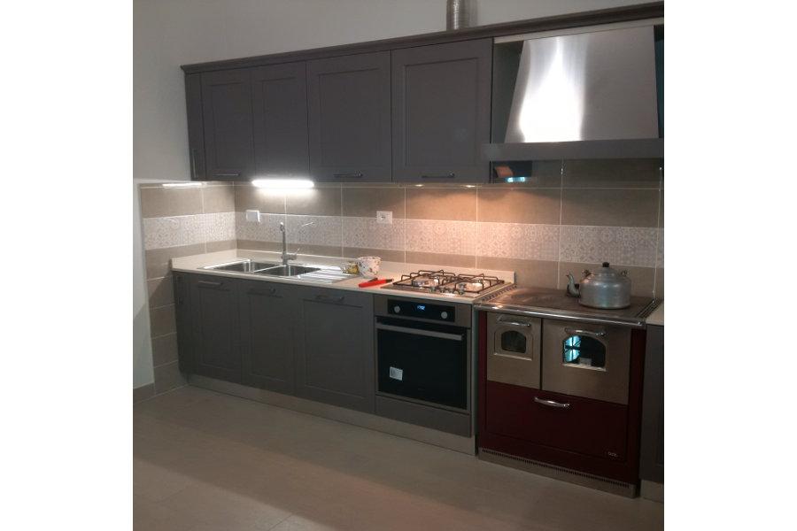 Cucina Moderna Con Due Cappe (GC-CUC013)