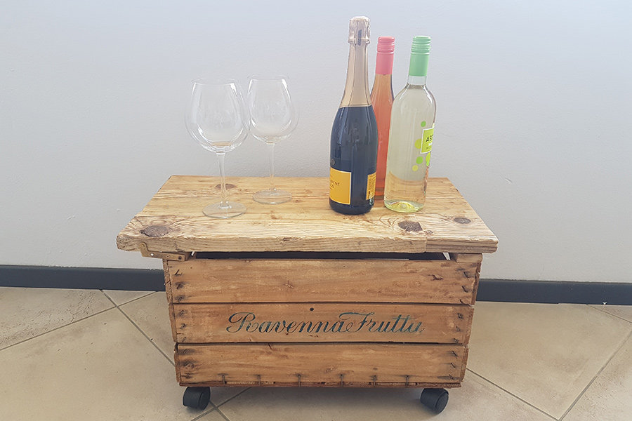 Tavolino bar contenitore cassetta da frutta (XN-TAV018)