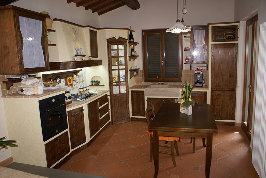 Cucina in muratura ad angolo: dal progetto alla realizzazione ...