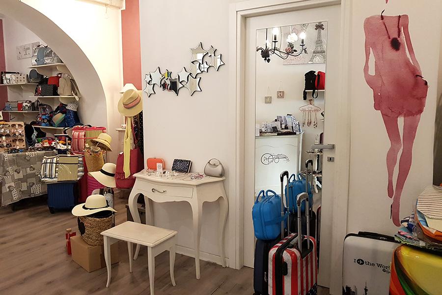 Arredare un negozio: La Bacchetta Magica a Dicomano (Firenze)