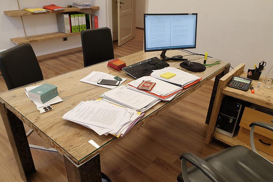 Arredamento ufficio in legno di recupero xn uff001 for Arredamento x ufficio