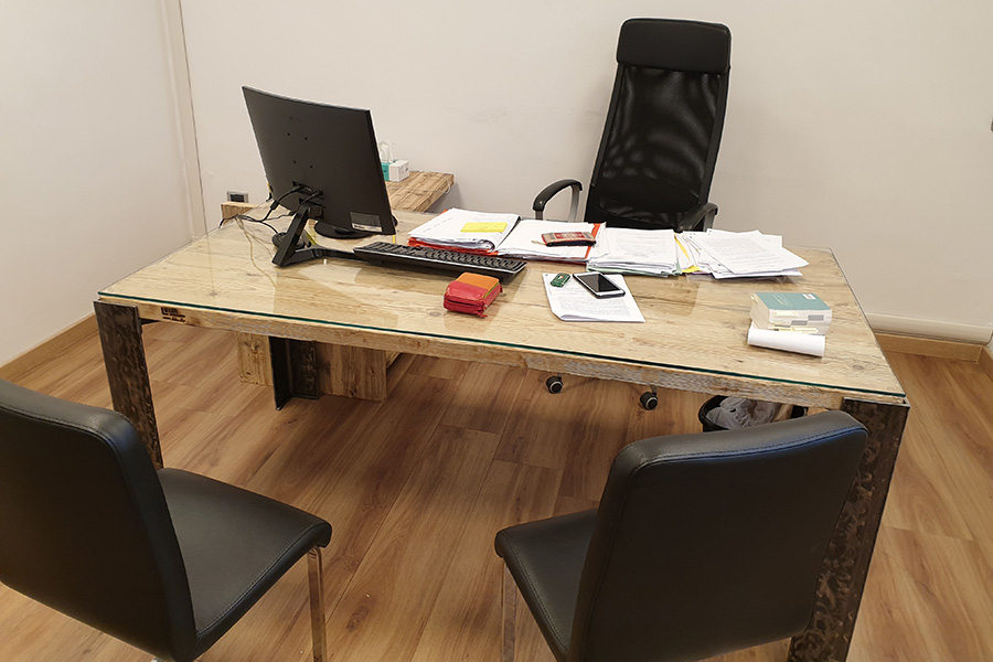 Mobili Per Ufficio Firenze.Arredamento Ufficio In Legno Di Recupero Xn Uff001 Mobili Su
