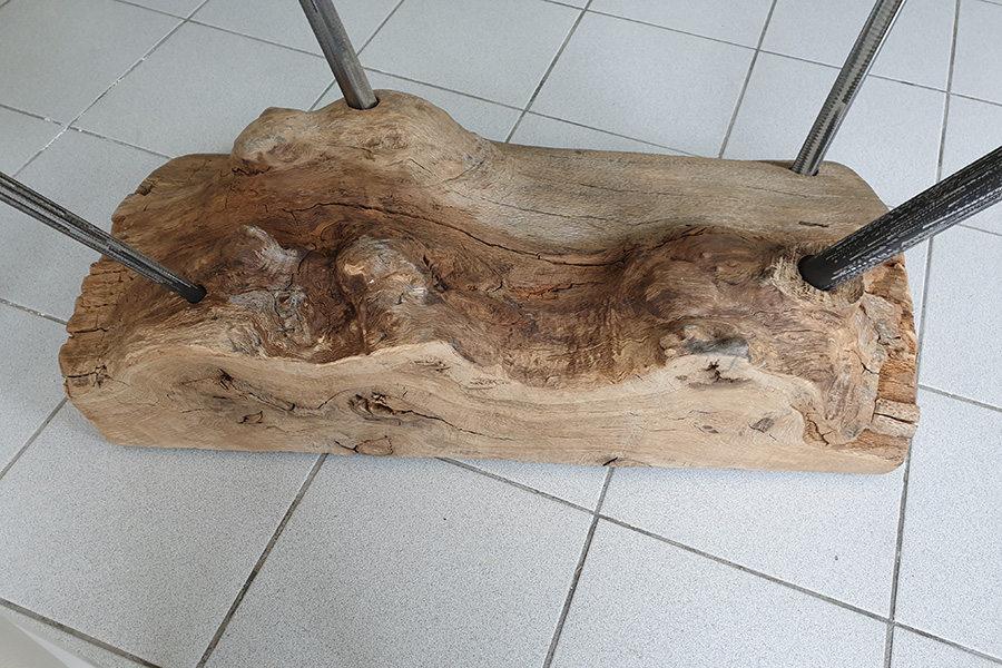Tavolo Con Base Tronco Di Legno E Piano In Vetro (XN-TAV020)